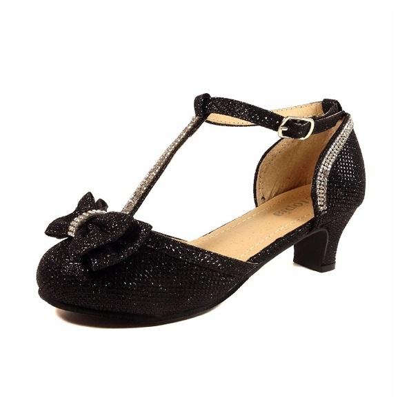 6da51275aaa9 Nova Utopia Girls Low Medium Heel Dress Shoes. M 5a3c2b37b7f72b3d94004de1